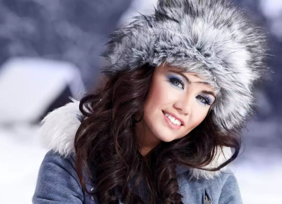 a7032825de7 Алиэкспресс – модные, красивые женские шапки зимние: выбор зимнего изделия  для любой представительницы женского пола